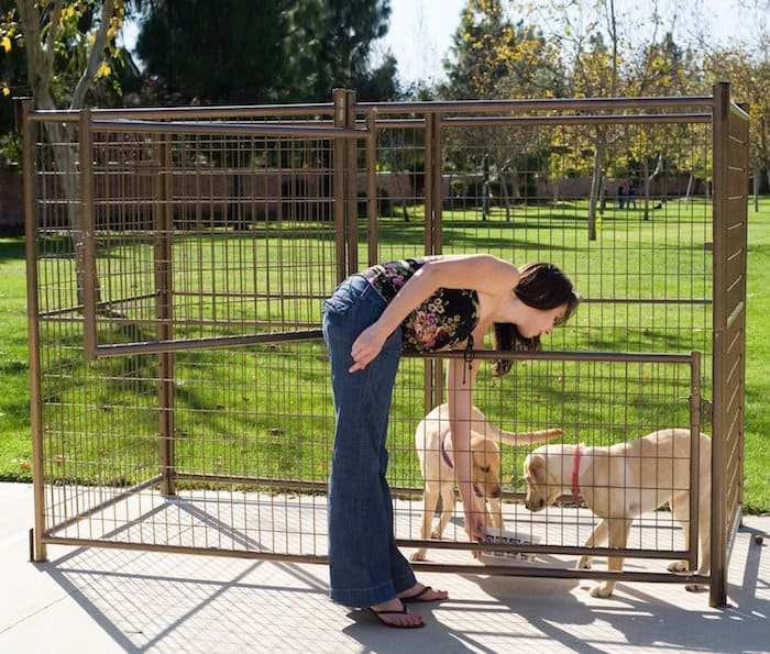 5 best outdoor dog kennels canines safe outside 2018 for Dog proof material
