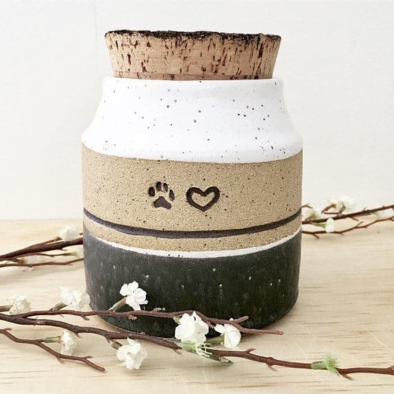 personalized-pet-cremation-urn