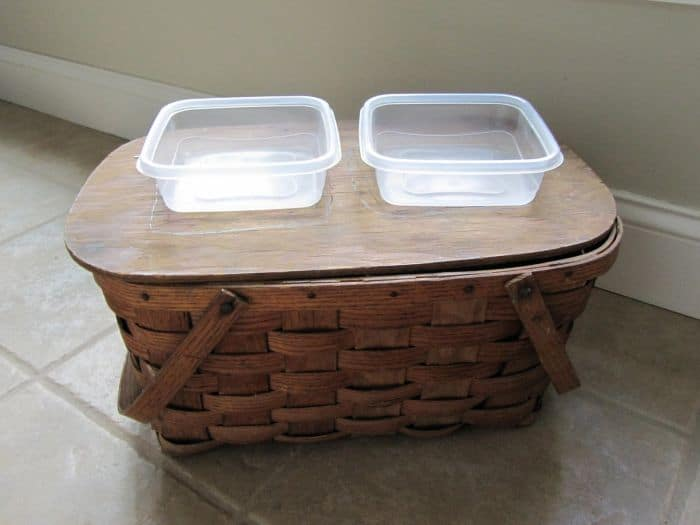 DIY Picnic Basket Feeder