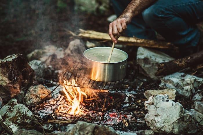dog-food-camping