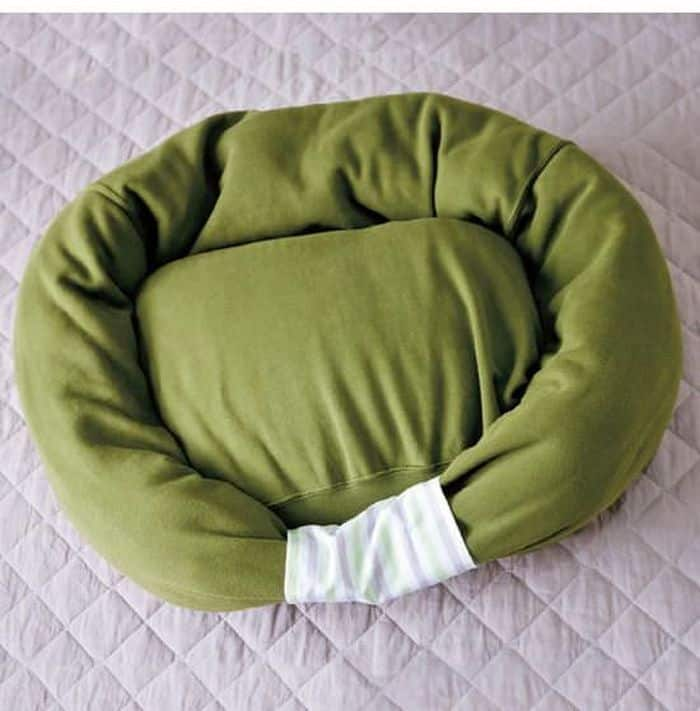 Sweater Style Dog Bed 2