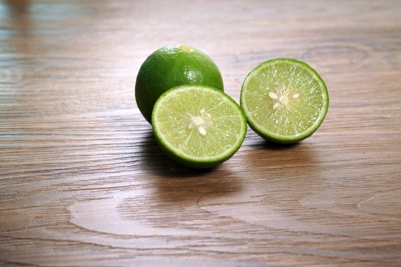 Lime juice repels dogs