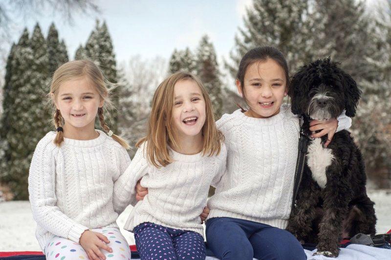 take dog photos with family
